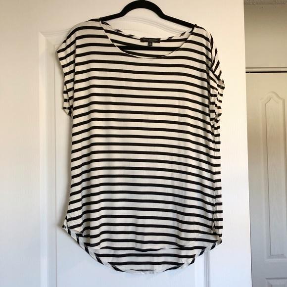 🛍 3/$20 SALE - Black & White Striped T-Shirt